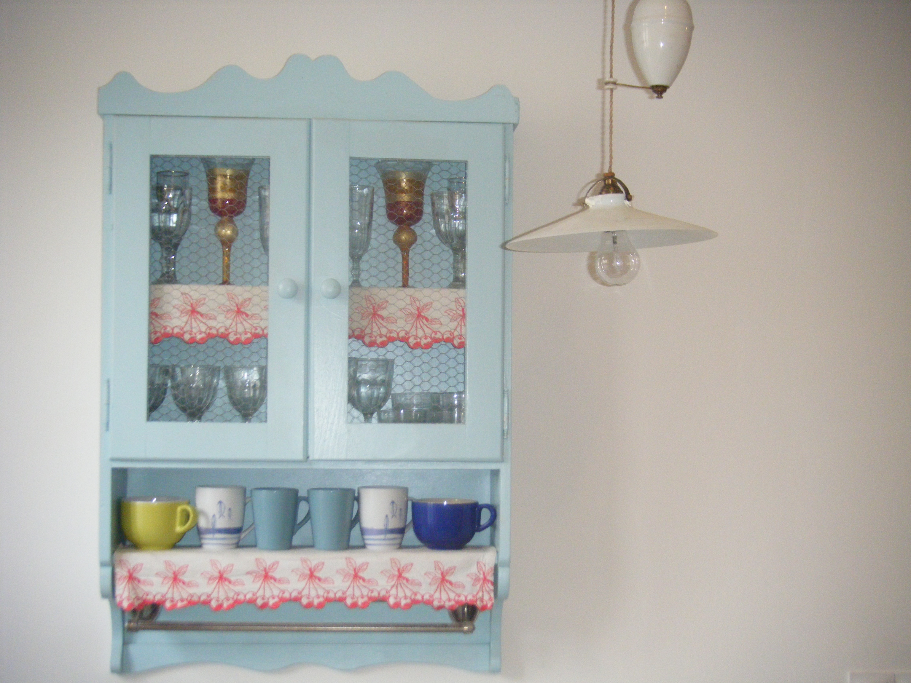 Cupboard with traditional Languedoc edging