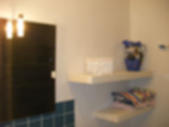 shower room in new gite 003.JPG