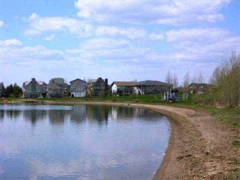 lakeandhouses