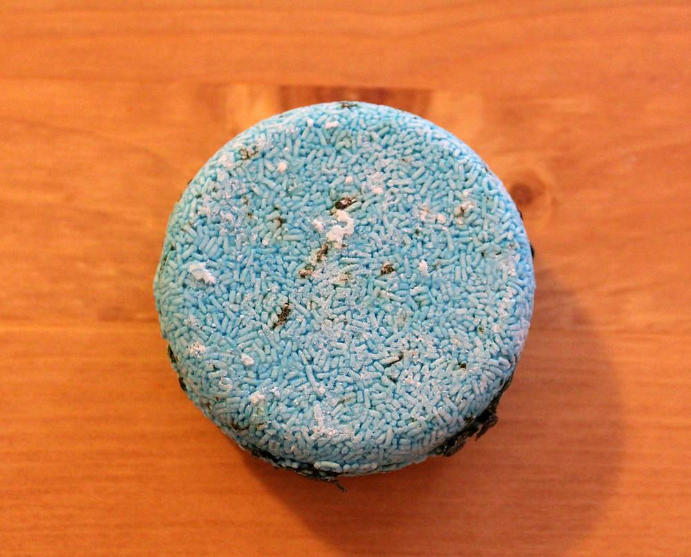 blue and green seaweed shampoo bar from lush
