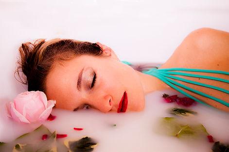 Gloria Azzurrini Photography Milk Bath