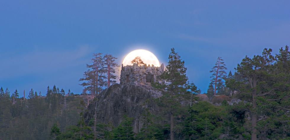 Super Moon over Fannette Island's Tea House