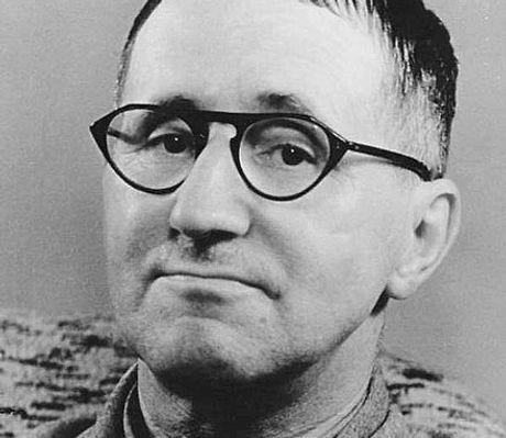 440px-Bertolt-Brecht.jpg