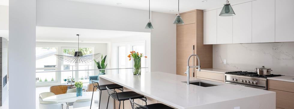 841 E 15th-Kitchen2.jpg