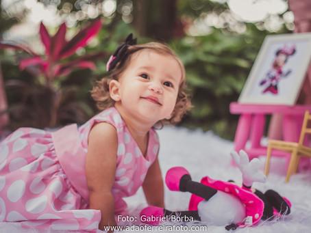Smash the cake Isabela! Minnie Rosa