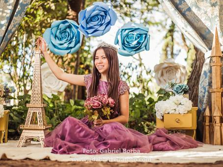 Book dos 15 Princesa em Paris da Luanna