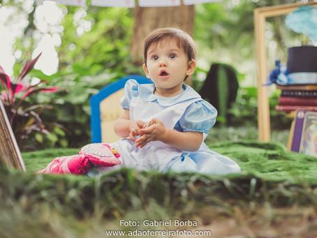 Smash the cake Alice no país das maravihas {Carolina}