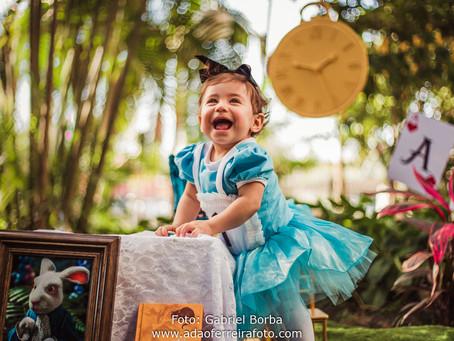 Smash the cake Alice no país das maravilhas da Alice