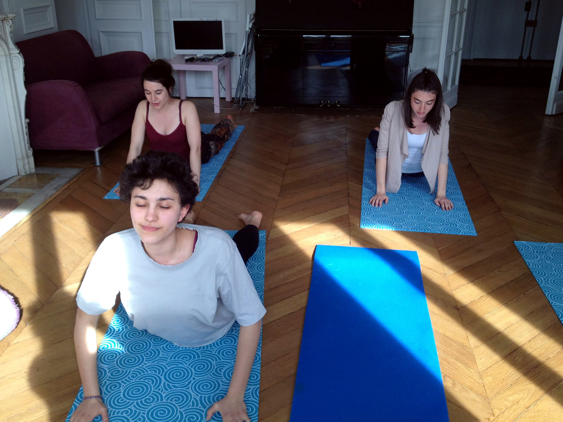 yogana yoga dans la joie