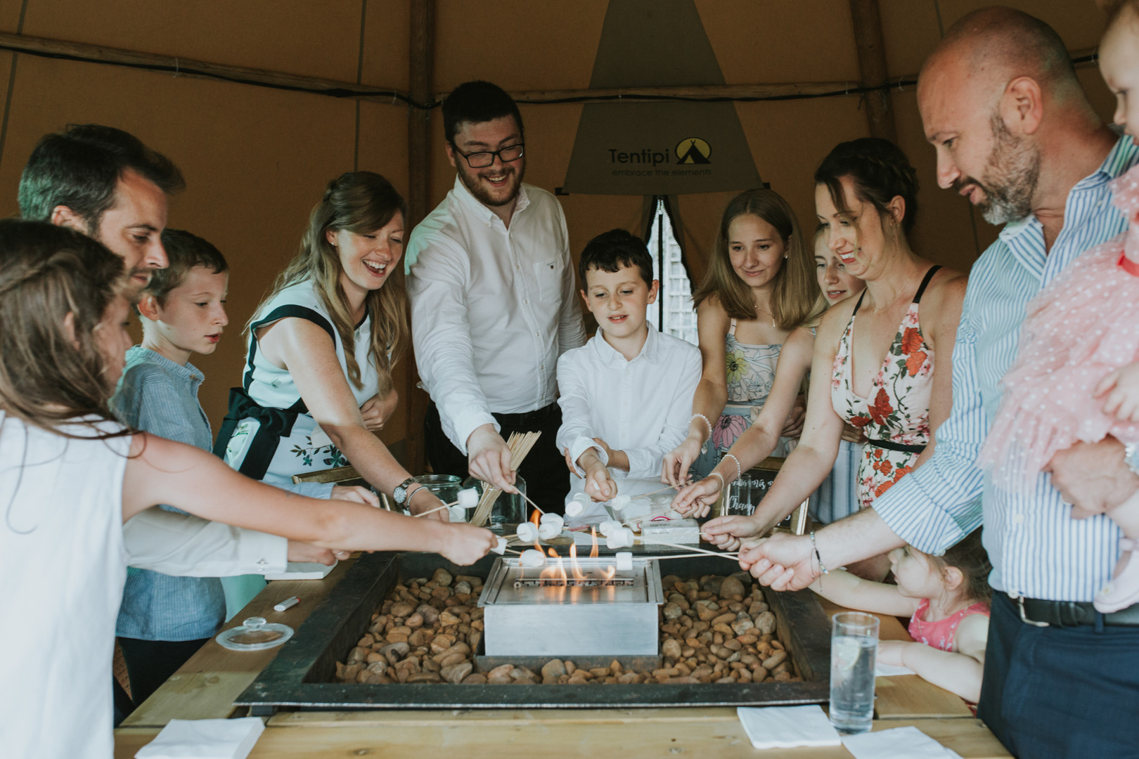 Lizzie Henshaw Photography tipi party We
