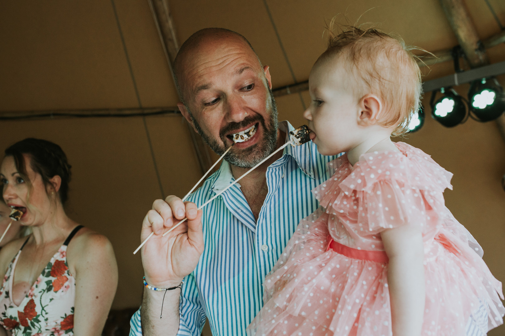 Lizzie Henshaw Photography tipi Wedding