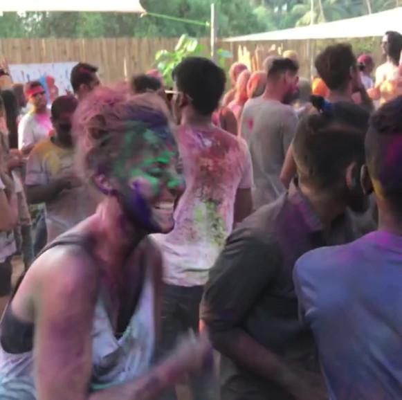 Holi Dancebreaks