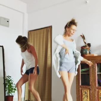 Pyjama Dancebreaks