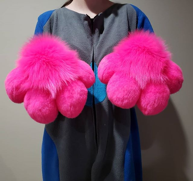 Brand new paws! Pink and looking fabulou