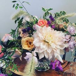 Dahlia delight from _acuriousarrangement styled up with #palmbeach ,#garden #vuvuzela and #everlasti