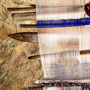 Weaving in Cotzal with naturally dyed thread from lake Atitlaán