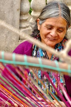 Maria weaving in el triunfo