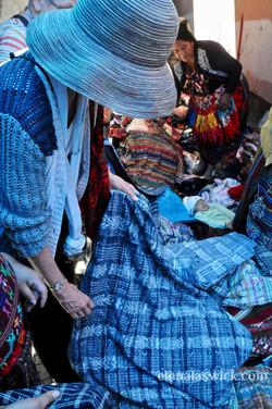 buying textiles in chichicastenango