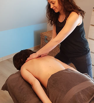 MarieAnais_Massage_bienêtre.jpg
