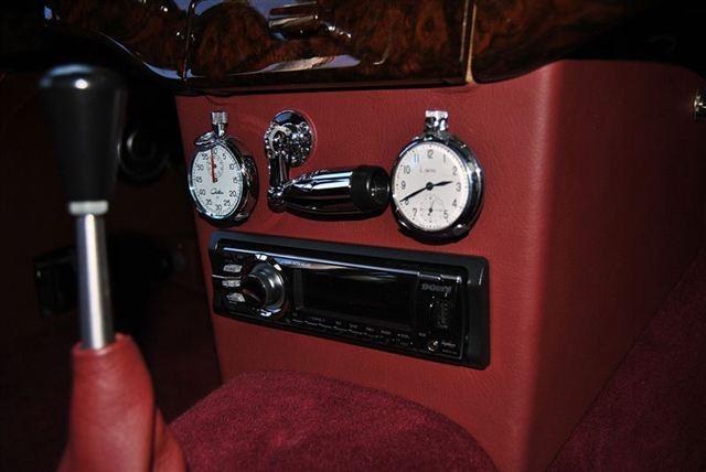 used-1953-jaguar-xk120-fhc-9423-6436630-44-640