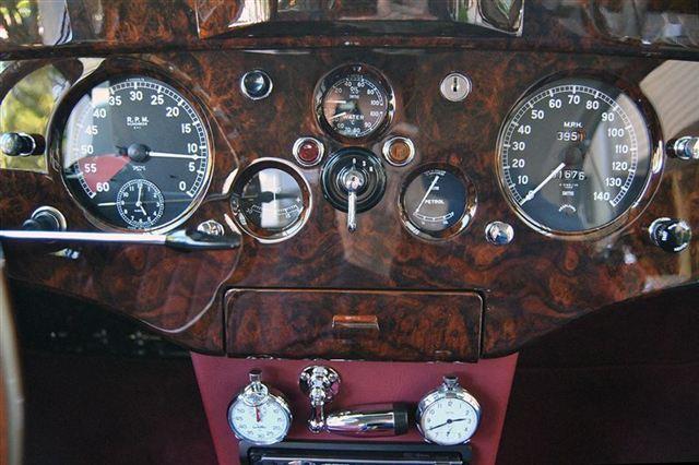 used-1953-jaguar-xk120-fhc-9423-6436630-43-640
