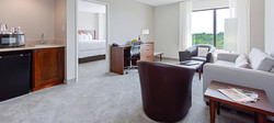 rooms-at-harborside-hotel-oxon-hill-maryland-top
