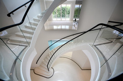 Silverwood-Sweeping-Staircase-01