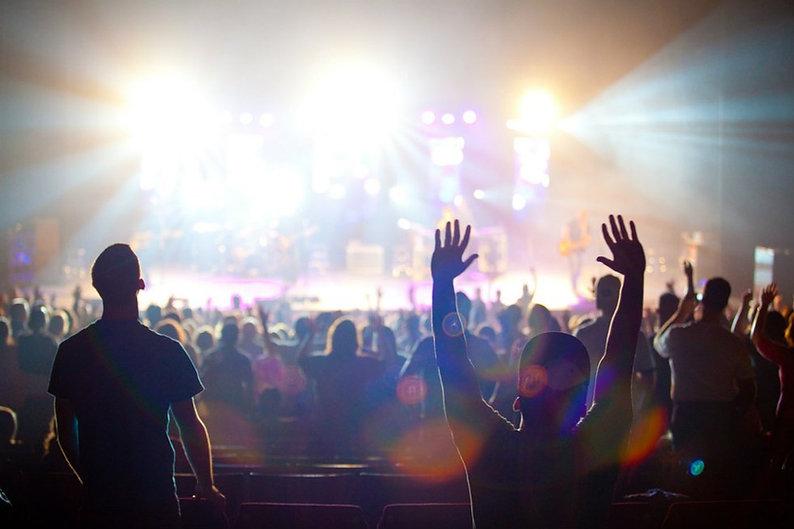 people worshipping.jpg