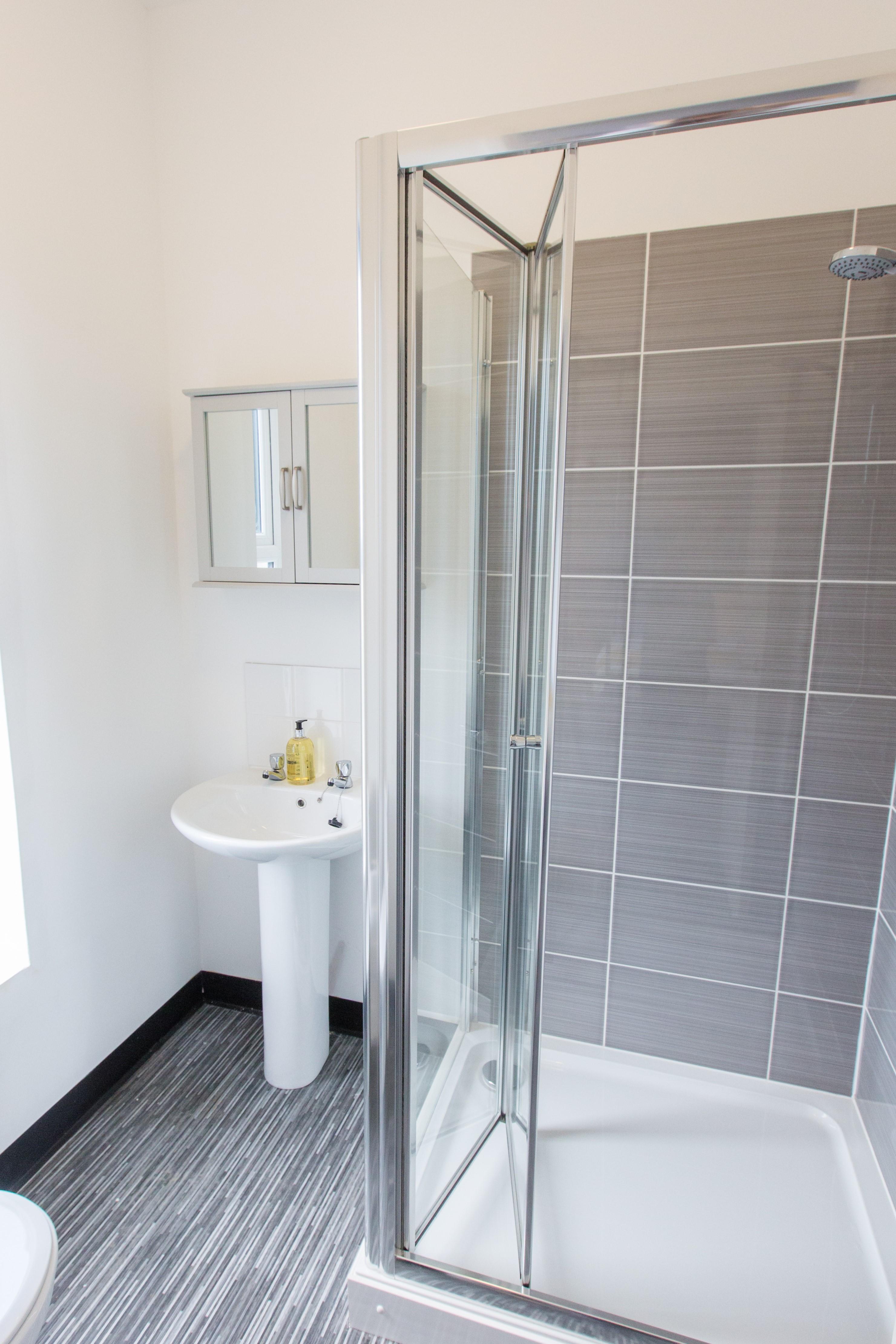 HMO shower room