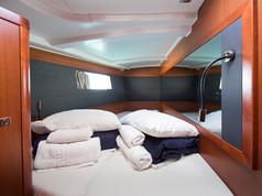 Cavo Yachting _ Oceanis 45 Charter