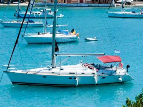 Cavo Yachting _ Beneteau Oceanis Clipper 461 Charter _ At Anchor