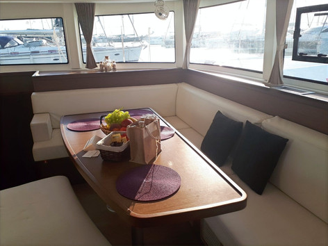 Cavo Yachting_Lagoon 42