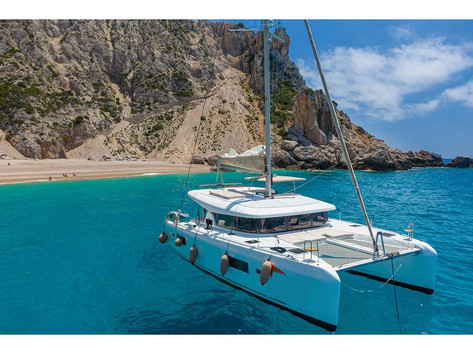 Cavo Yachting _ Lagoon 42.jpg