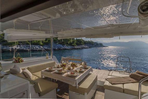 Cavo Yachting _ Lagoon 52