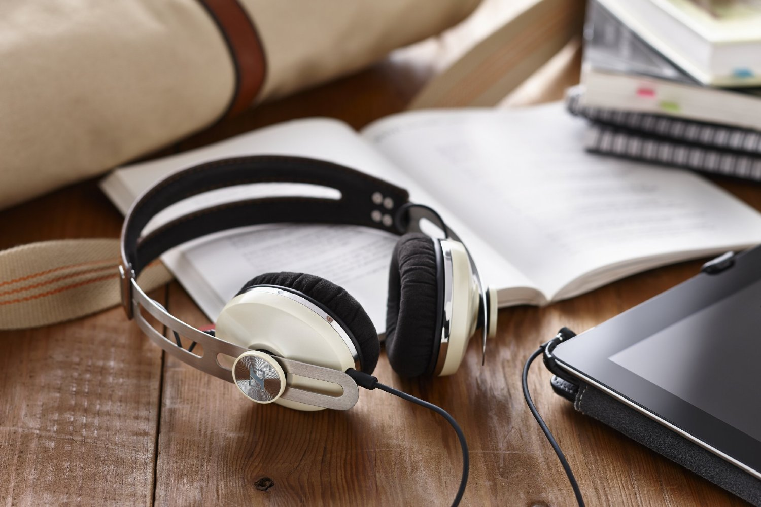 Sennheiser Momentum On-Ear Ivory 7