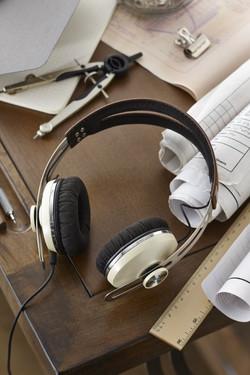 Sennheiser Momentum On-Ear Ivory 5