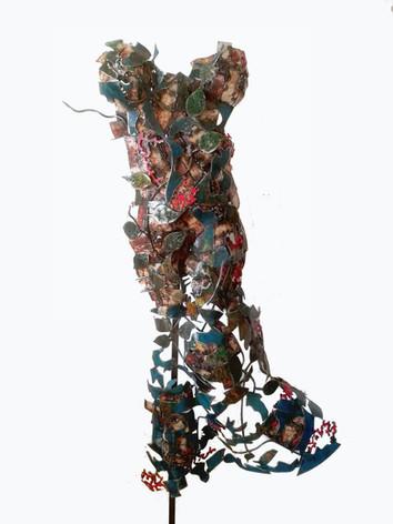 Robe de printemps. haut:1m30. larg: 70cm