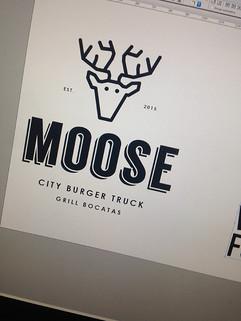 primera prueba el logo de Moose