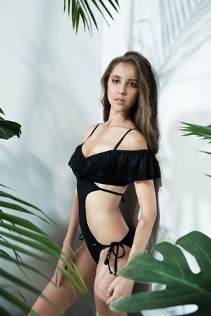 Frilly Monokini - BLACK