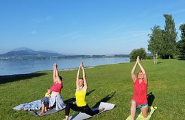 Yoga am See.jpg