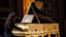 Nora au clavecin.jpg
