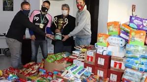 Copa do Bem arrecada três toneladas de alimentos