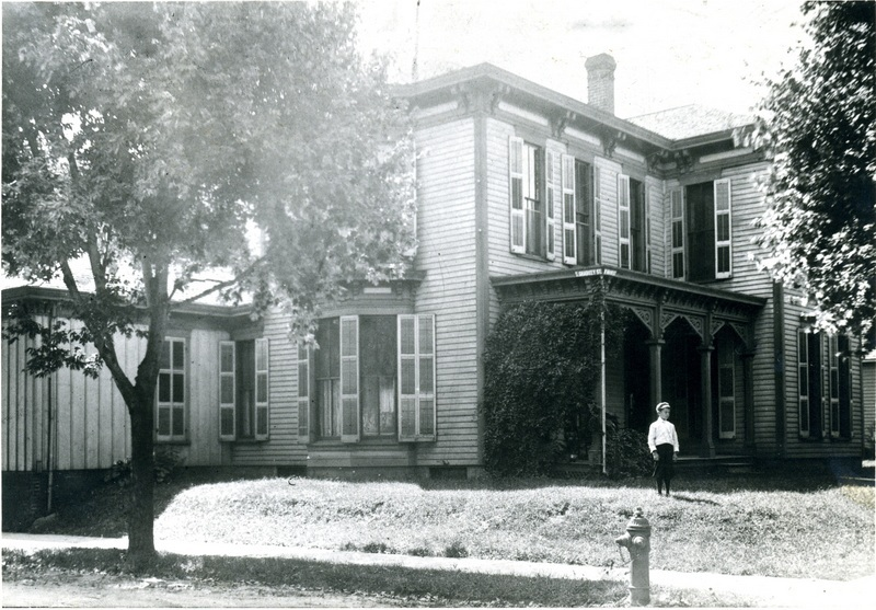703 W Main - historic  photo-001