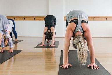 Cara yoga 03.jpg