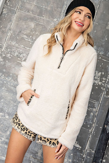 Bold Themes Pullover Jacket -Cream