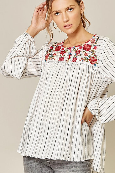 Abacos Linen Blend Embroidered Top