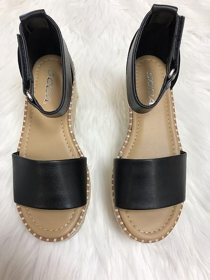 The Key Largo Platform Sandal - Black