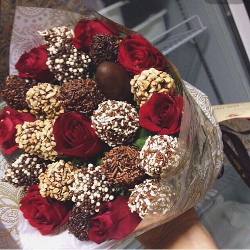 """""""Sweet On You"""" flower & strawberry bouquet"""