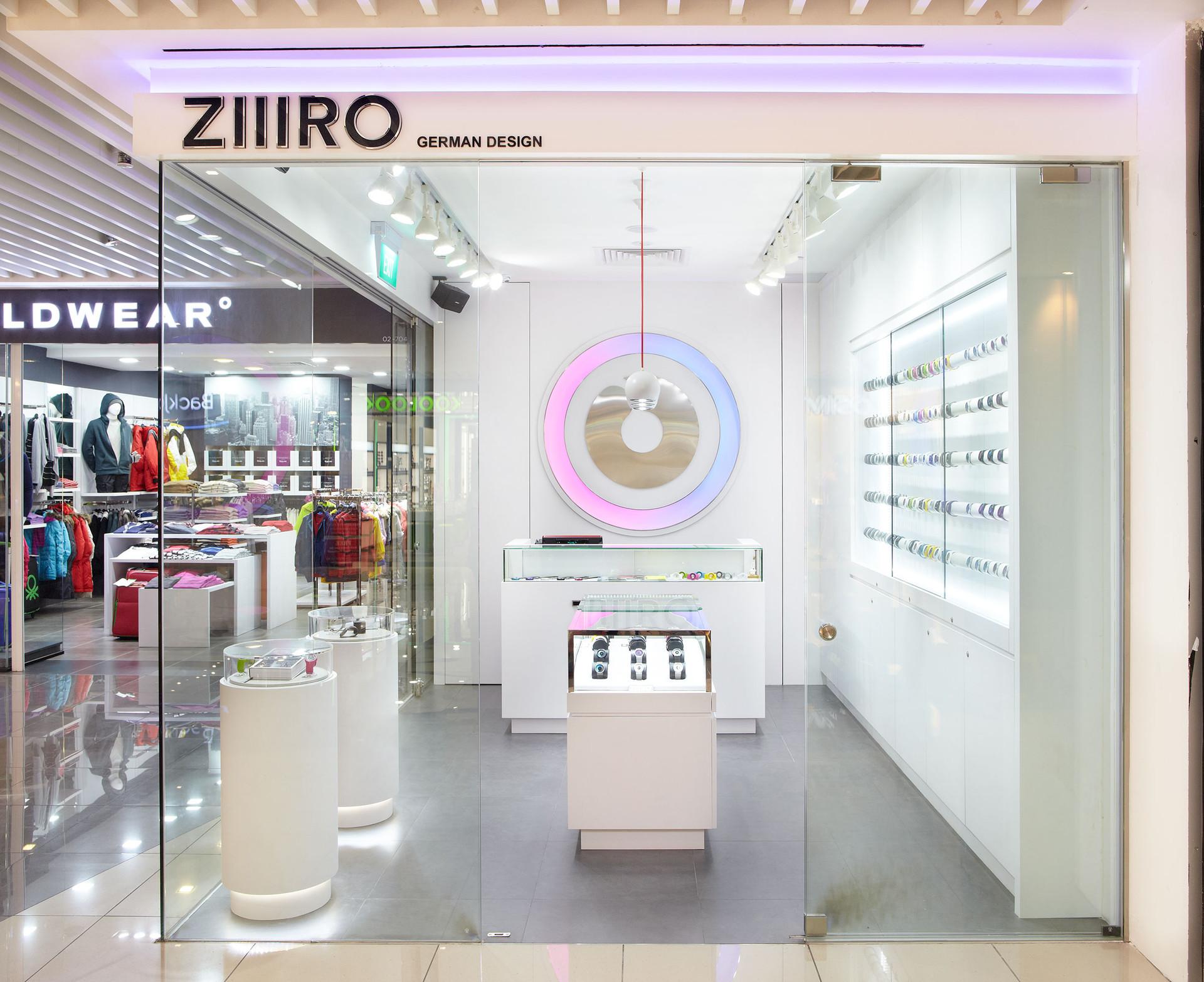ZIIIRO1.jpg