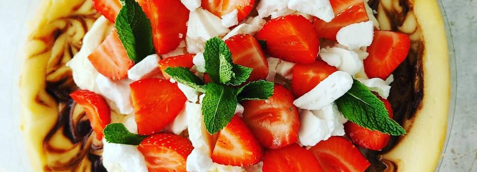 New York Style Strawberry Mergingue Cheesecake